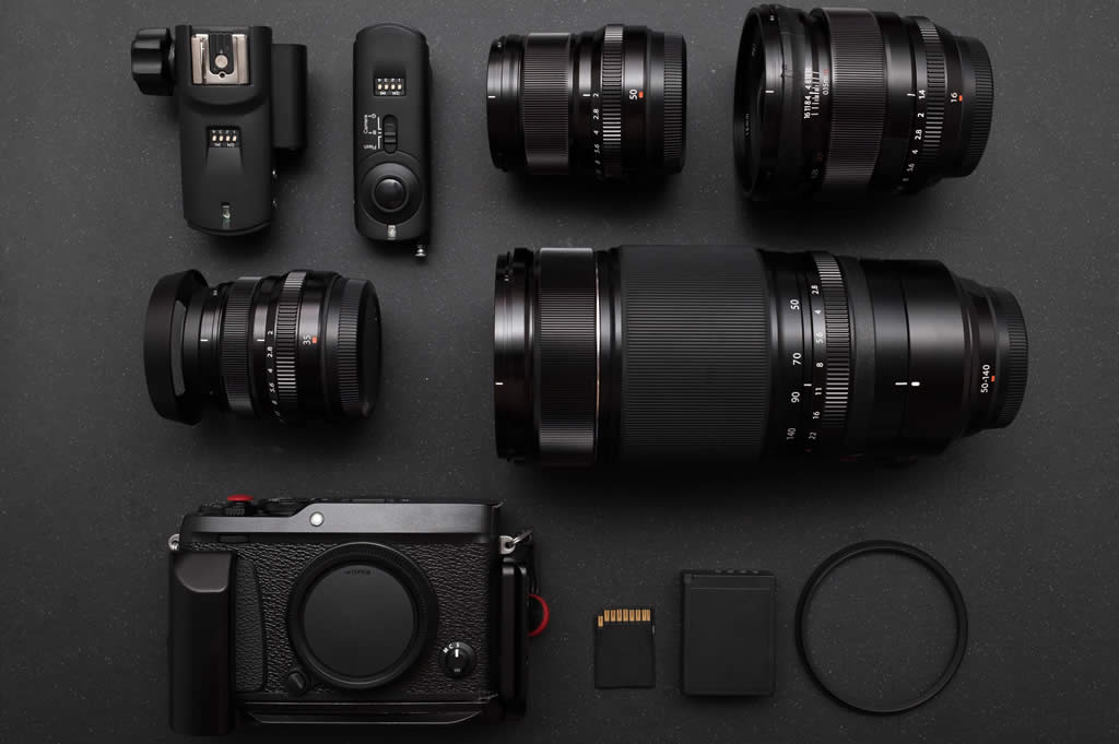 mirrorless camera and lenses